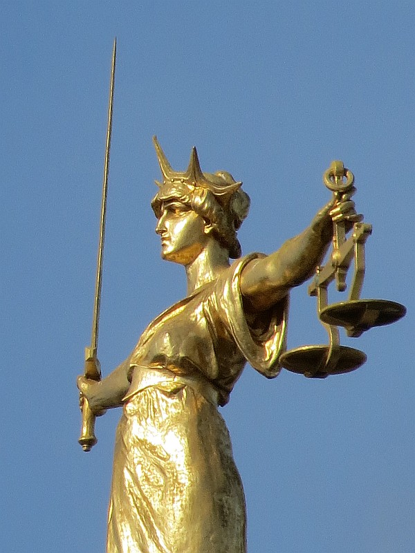 Old Bailey Statue of Justice - Bob Speel s Website d89a9e0e77