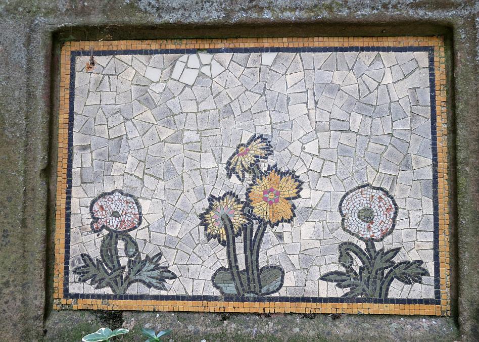 St Pancras Old Church Gardens Sundial With Mosaics Bob