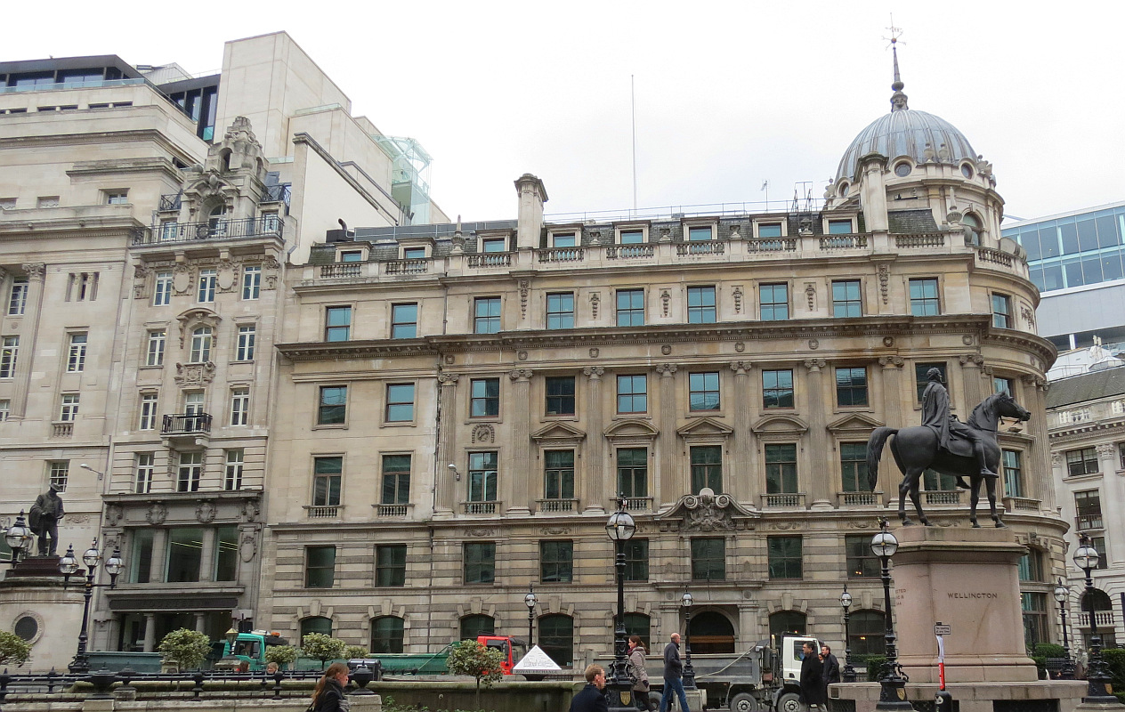 Bob Speel's website - Sculpture in Cornhill, London