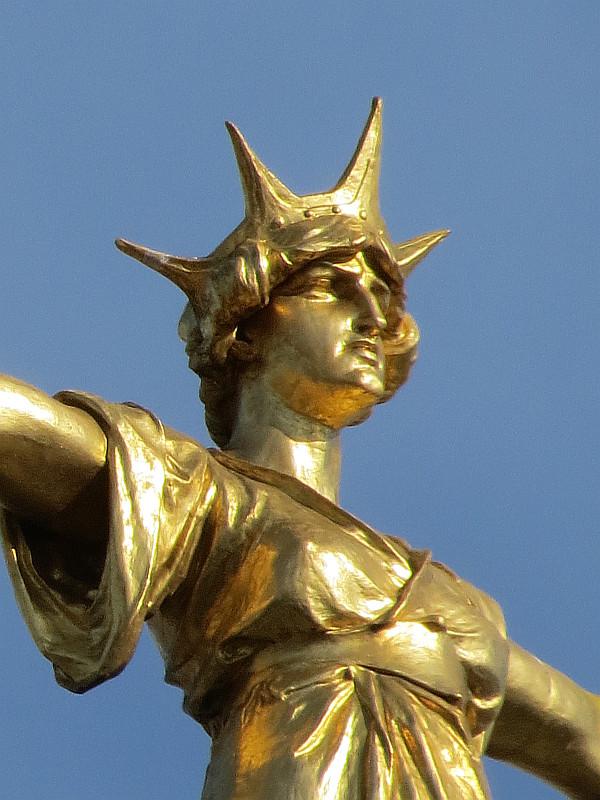 Old Bailey Statue Of Justice Bob Speels Website