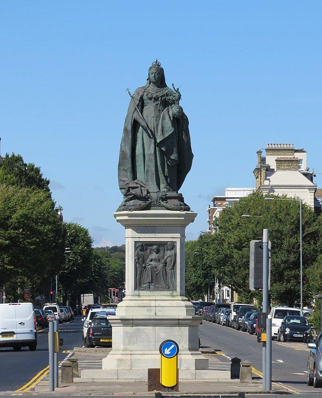King Edward VII Memorial Statue - Queen Victoria Gardens