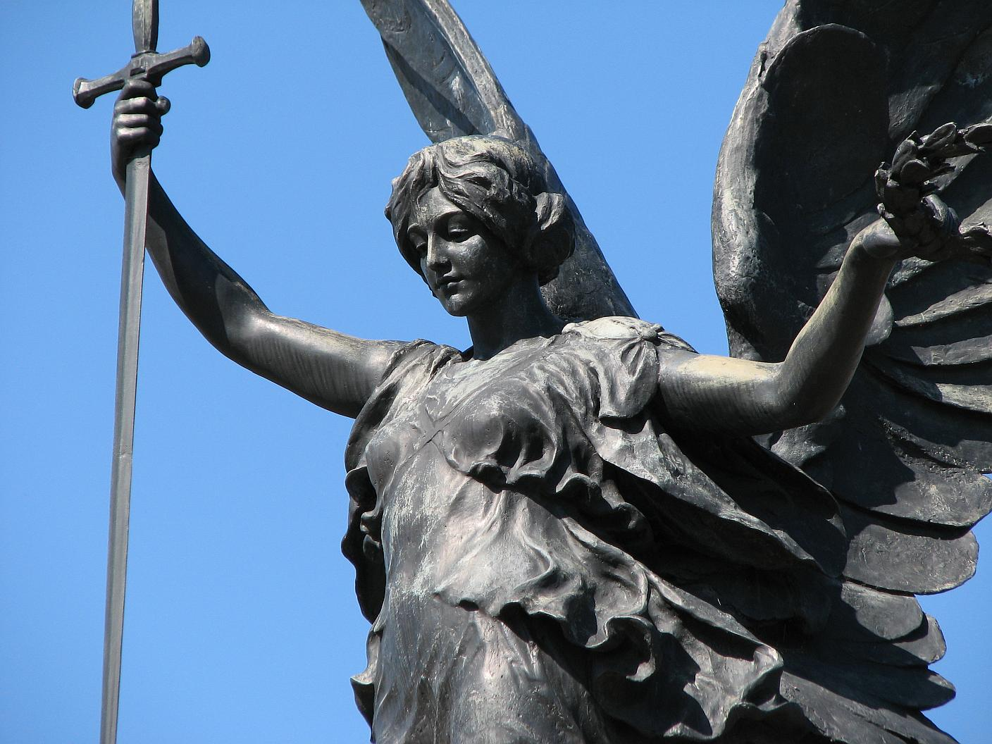 colchester war memorial by h c fehr and detail of angel of victory