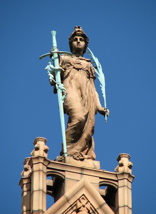 Statue english